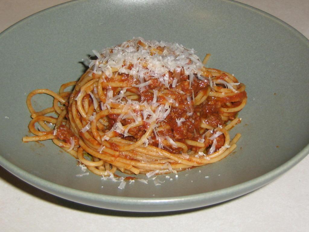 Spaghetti with Meat & Mushroom Sauce